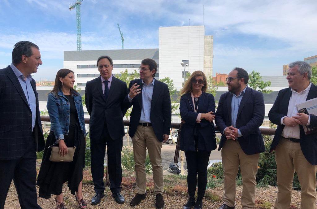 García Carbayo mejorará el transporte urbano y anuncia que ocho líneas del autobús llegarán al nuevo hospital