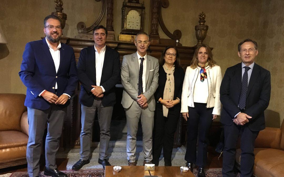 Los candidatos a Congreso y Senado denuncian la falta de transferencias del gobierno del PSOE a la Universidad